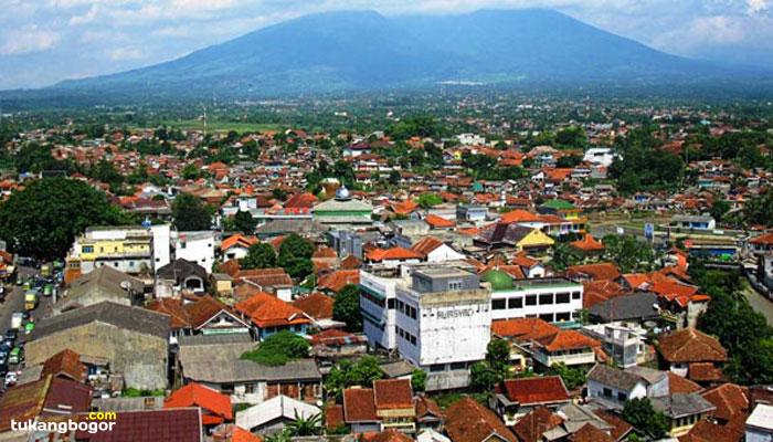 Tukang Bangunan dari Bogor